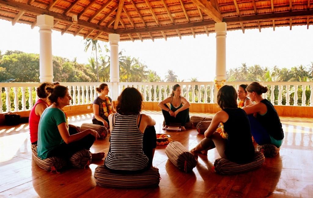 Yoga-shala mit Blick aufs Meer